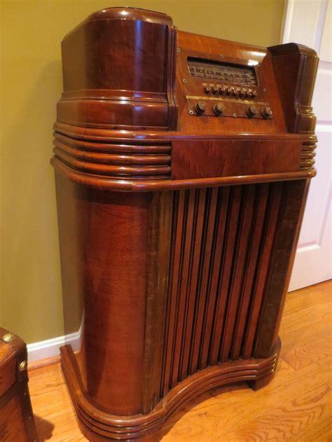 philco walnut radio console  restoration