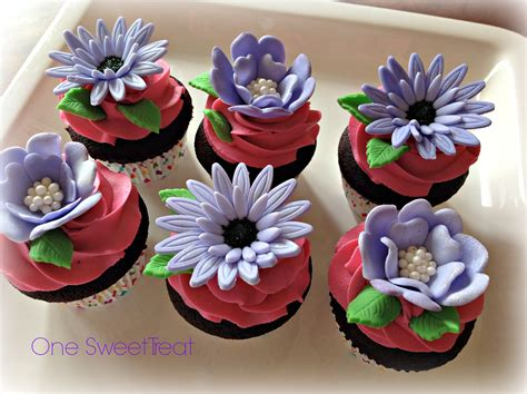 sweet treat flower cupcakes