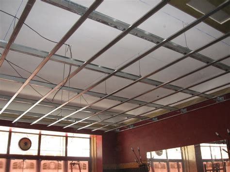 cr 233 ation de plafond isolant phonique 224 orange pour un bar musical en 2013 artisan plaquiste