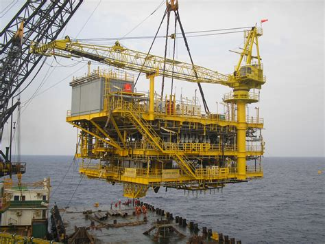 platform installation offshore whp kerisi north belut