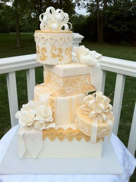 creative topsy turvy wedding cake ideas deer pearl
