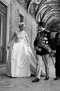 Iconic weddings: Grace Kelly and Prince Rainier III of ...