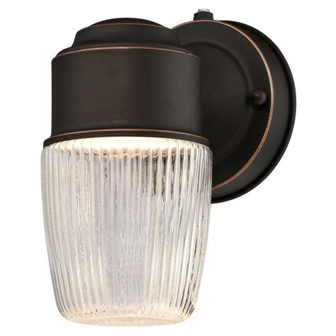 westinghouse  light oil rubbed bronze outdoor integrated
