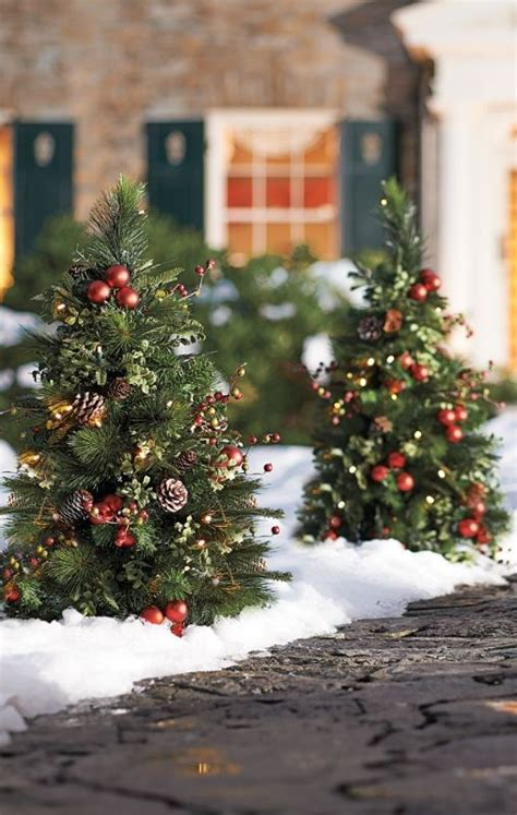 awesome driveway christmas arch  home decorating ideas