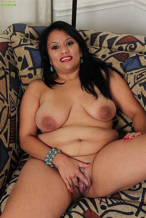 Asian MILF Lucey Perez Caresses Her Pussylips MILF Fox