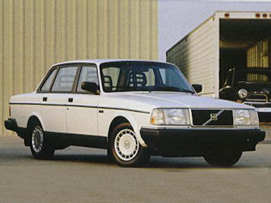Volvo 240 Mpg by 1993 Volvo 240 Specs Safety Rating Mpg Carsdirect