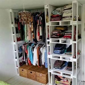 Fabriquer Un Dressing En Bois : dressing avec des palettes de bois 12 id es pour vous ~ Dailycaller-alerts.com Idées de Décoration