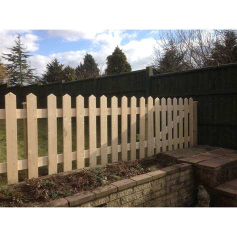 gates and fencing picket fence panels rough sawn frodsham gates and fencing direct