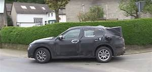 Stelvio Alfa Romeo : 2017 alfa romeo stelvio caught on camera exhaust sounds raspy autoevolution ~ Gottalentnigeria.com Avis de Voitures