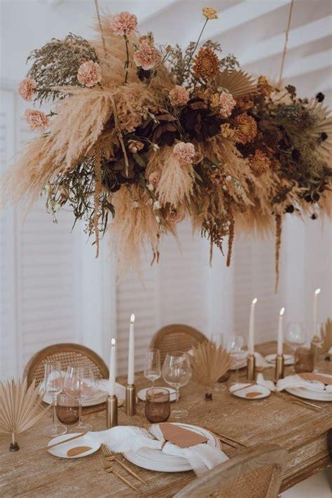 hottest wedding trend  dried flower ideas