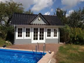 Gartenhaus Englischer Stil : gartenhaus grau wei moderner gartentrend mit stil ~ Markanthonyermac.com Haus und Dekorationen