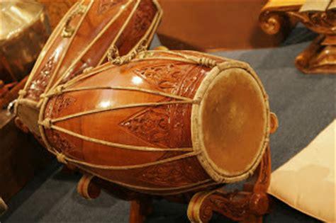 Bende merupakan alat musik tradisional yang berasal dari lampung. Alat Musik Tradisional Indonesia: Alat Musik Tradisional ...