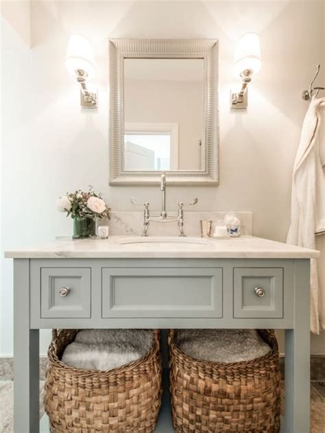 Best Small Traditional Bathroom Design Ideas & Remodel