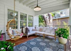 Front porch ideas 9 tips from real homes bob vila for Porch interior ideas uk