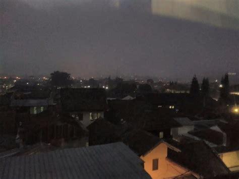 pemandangan  malam hari foto hotel bumi makmur indah