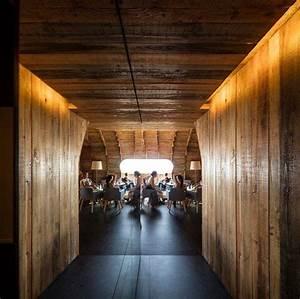 architecture organique fascinante cella bar aux iles acores With eclairage exterieur maison contemporaine 11 bardage claire voie vertical et horizontal en bois la