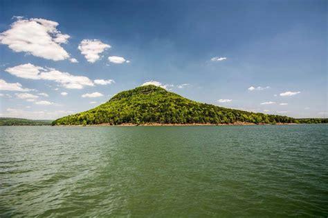 hidden hike   arkansas island    reached