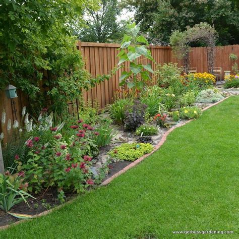 Backyard Privacy Landscaping by Stunning Privacy Fence Line Landscaping Ideas 22