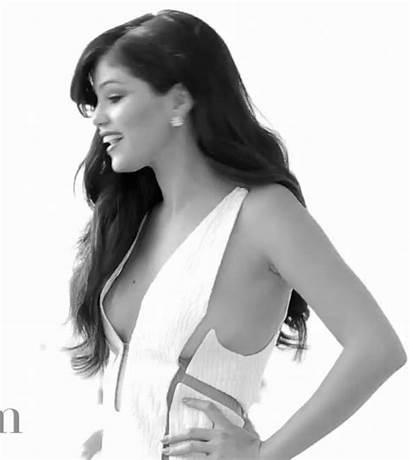 Gomez Selena Bazaar Boob Slip Harper Harpers