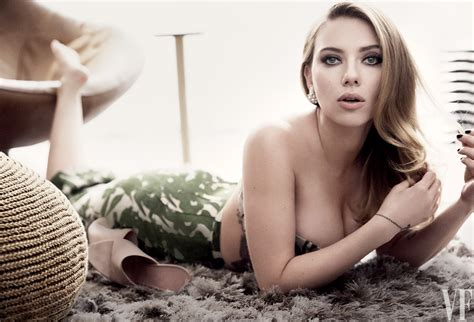 Scarlett Johanssonnow Engaged And Pregnantposes For Vanity Fairs May Cover Vanity Fair