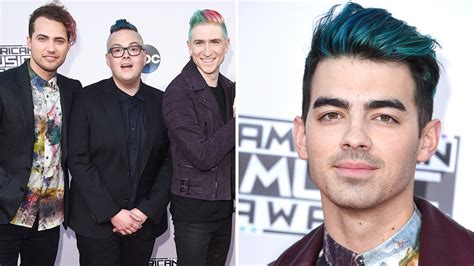 Guys' Colored Hair At The American Music Awards