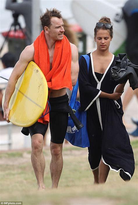 michael fassbender enjoys surf trip to bondi with vikander daily mail online