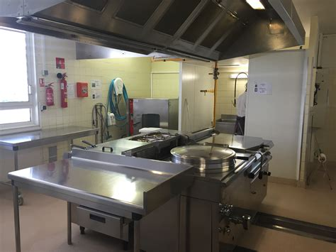 cuisine scolaire file visite cantine groupe scolaire aimé à mouans sartoux la cuisine jpg wikimedia commons