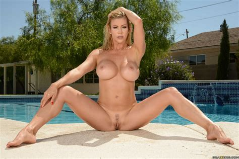 Gorgeous bikini MILF Alexis Fawx shows off her hot body by the pool - My Pornstar Book