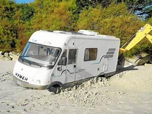 Les Camping Car : roscoff un camping car ensabl apr s un demi tour sur une plage roscoff ~ Medecine-chirurgie-esthetiques.com Avis de Voitures