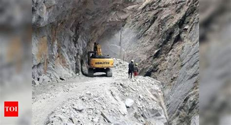 India China border news: Helicopters land heavy equipment ...