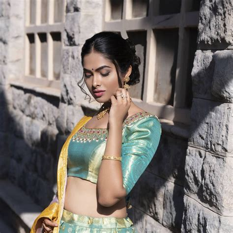Big Boss Telugu 4 | Divi Vadthya looking very glamorous photos Photos: HD Images, Pictures ...