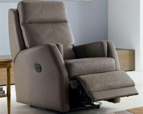 chateau d ax fauteuil relax table de lit a roulettes