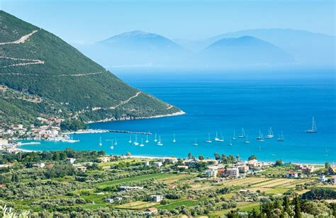 Vassiliki | windsurfing and beach resort of Lefkada Island