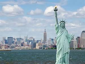 8 Famous Replic... Liberty