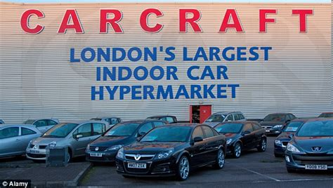 carcraft collapses leaving hundreds  jobs