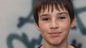 Twitter Impersonator Targets Child Actor - ABC News