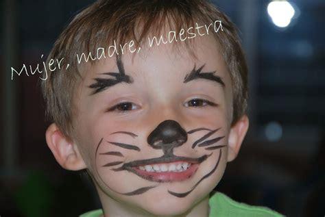 madre mujer maestra maquillajes spiderman  tigre paso
