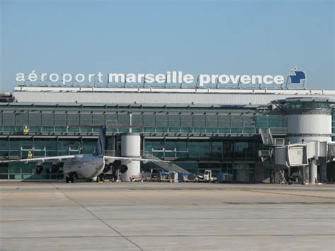 Aéroport De Marseille-provence Schrank Offen Gründerzeit Humidor Otto Verfassungsunmittelbare Schranken Tiefe 25 Cm Walnuss Raumteiler