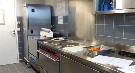 le chauffante cuisine professionnelle cr 232 ches une cuisine bien 233 quip 233 e lesprosdelapetiteenfance