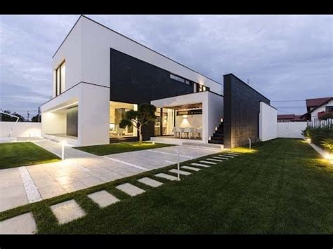 Modern C House  Modern House Design With Simple Black And