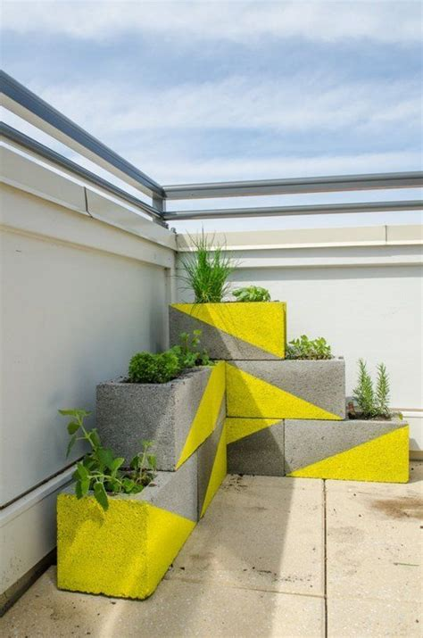 Set In Adds Creative Touch To Concrete In 22 Creative Ideas To Use Concrete Blocks Beesdiy