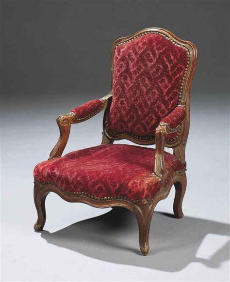 fauteuil d enfant d epoque louis xv estille de mathieu bauve milieu du xviiieme siecle