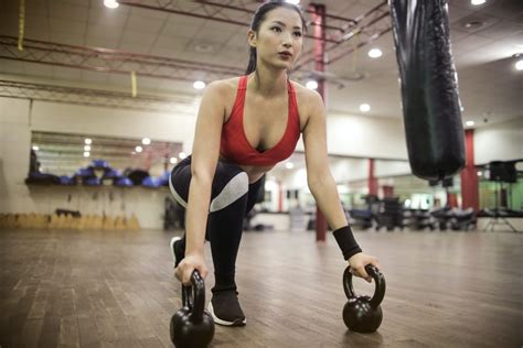 kettlebells use reasons should why woman