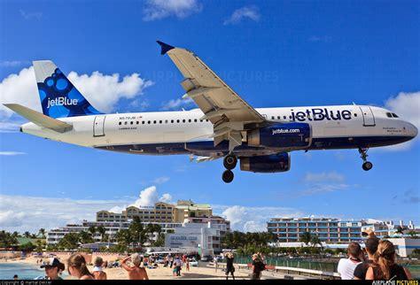 N570JB - JetBlue Airways Airbus A320 at Sint Maarten ...
