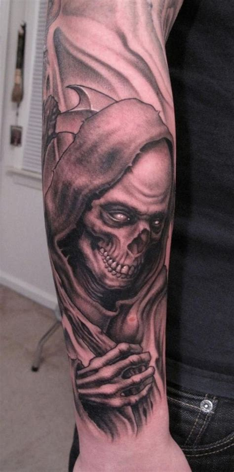 35 Cool & Cryptic Grim Reaper Tattoos