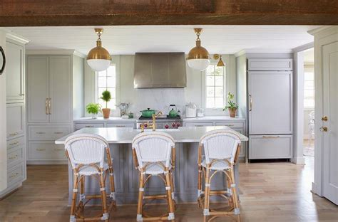 light grey kitchen cabinets with gold hardware light gray kitchen cabinets with gold hardware