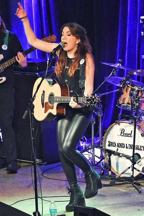 sasha mcveigh performed   lindsle leather celebrities