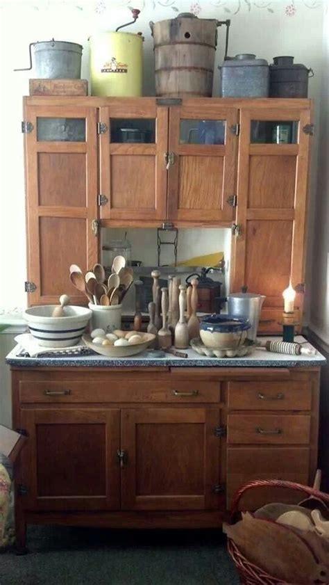 painter kitchen cabinets 355 best hoosier images on hoosier cabinet 1391