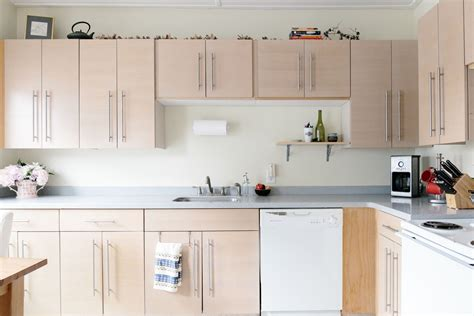How To Remove Grease From Kitchen Cupboards by The Best Ways To Get Sticky Cooking Grease Cupboards