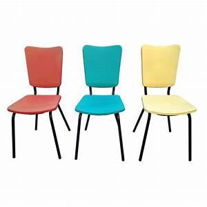 Chaise de cuisine retro for Deco cuisine avec chaise de cuisine couleur